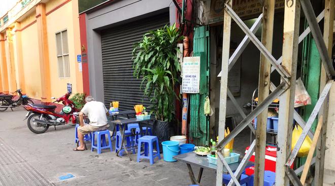 Tiệm hủ tiếu 70 tuổi mà vẫn Thanh Xuân